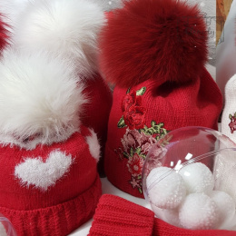 RED HAT TWO HEARTS RED POMPOM